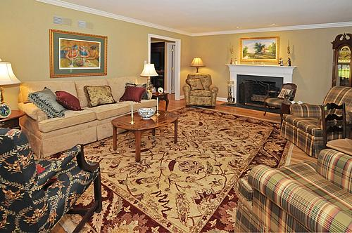 Newtown square willistown township chester county homes for The living room 20 10 17